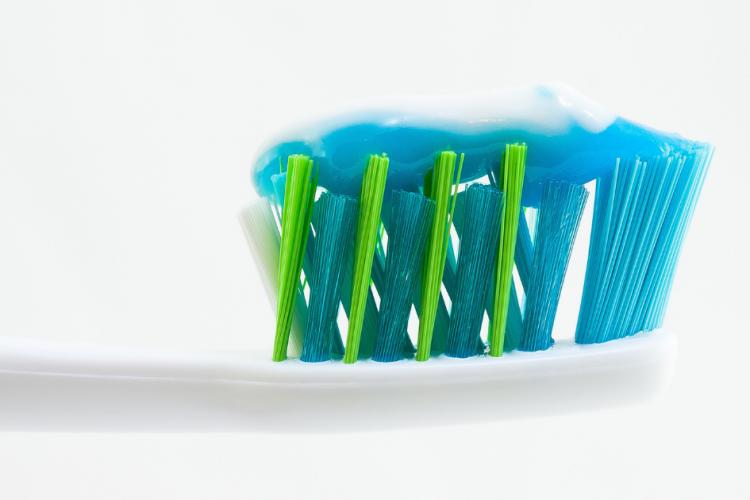 Kako Odabrati Pravu Četkicu Za Zube?